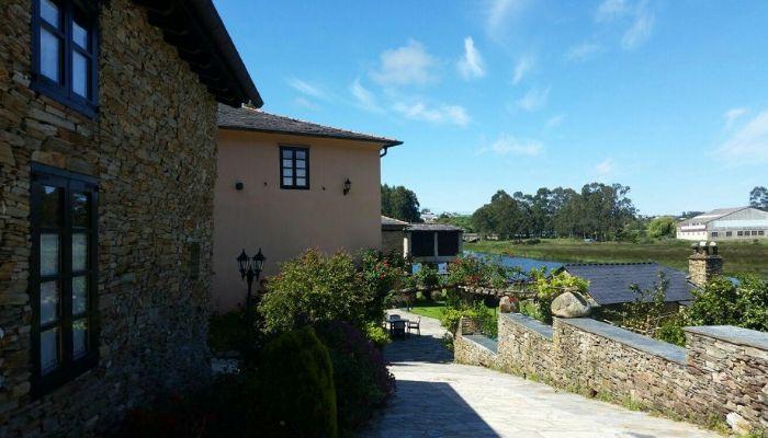 Dónde alojarse si visitas A Mariña Lucense o asistes a la fiesta de A Maruxaina